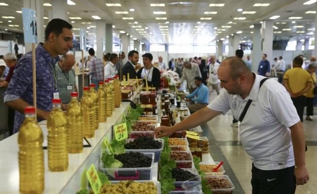 Başkentte yöresel ürünler pazarı açıldı