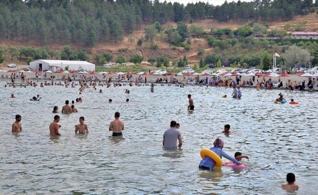 Doğuda tatilcilerin vazgeçilmez adresi: Hazar Gölü