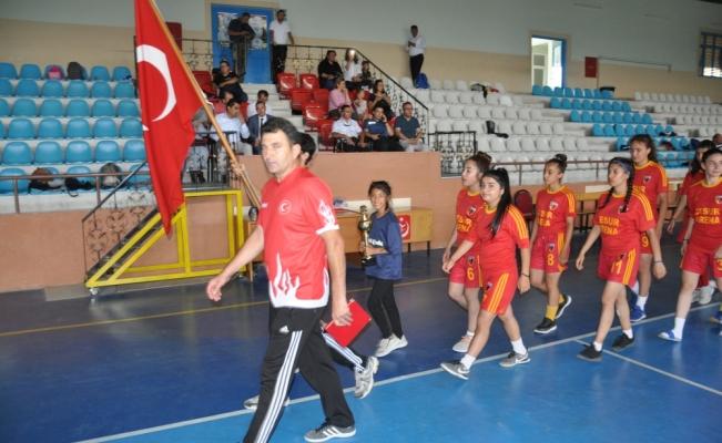 Gülşehir'deki yaz spor kurslarının açılış töreni