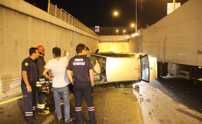 Konya'da otomobil alt geçide düştü: 3 yaralı