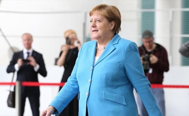 Merkel: Endişeye gerek yok iyiyim