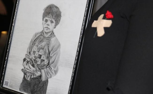 Savaş mağduru çocukları karakalem çalışmasıyla anlattılar