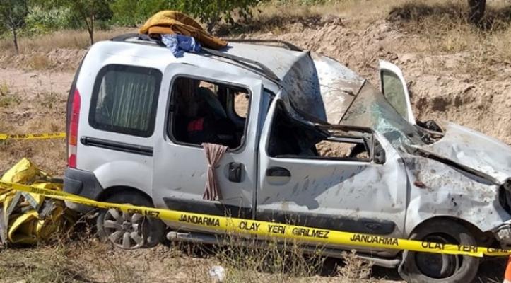 Anne ve bebeği trafik kazasında yaşamını yitirdi