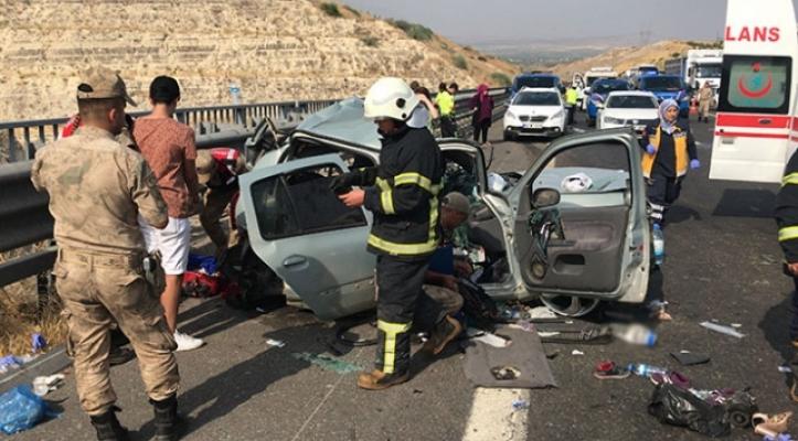 Bayram tatilinde yaşanan kazalarda 52 kişi hayatını kaybetti