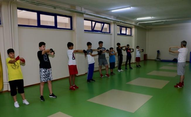 ESOGÜ'nün genç boksörleri yaz okulunu tamamladı
