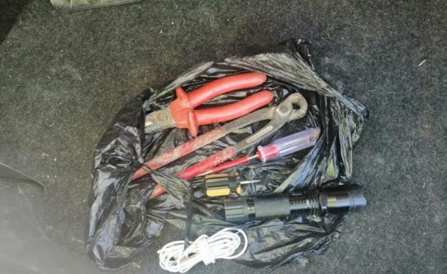 Kablo hırsızları suç üstü yakalandı