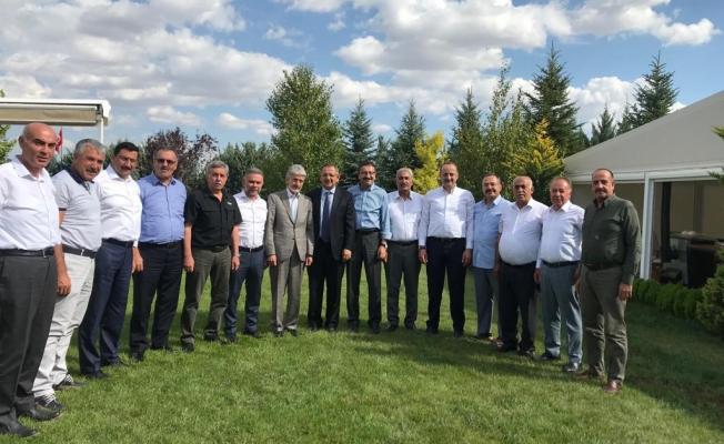 Özhaseki, eski belediye başkanlarıyla yeniden bir araya geldi!