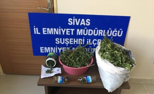 Suşehri'nde uyuşturucu operasyonu: 4 gözaltı