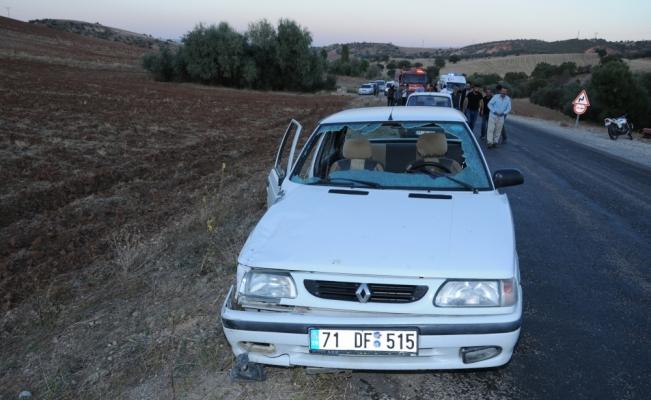 Kırıkkale'de motosikletle otomobil çarpıştı: 2 yaralı