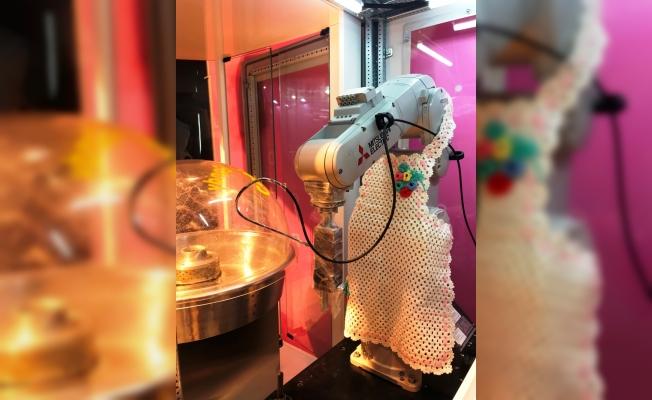 Mitsubishi Electric'ten pamuk şekeri yapan robot