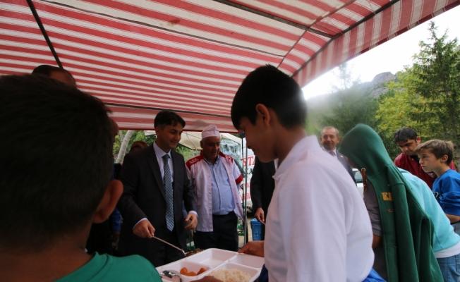 Seydişehir'de 200 öğrenci ilçe protokolüyle piknikte buluştu