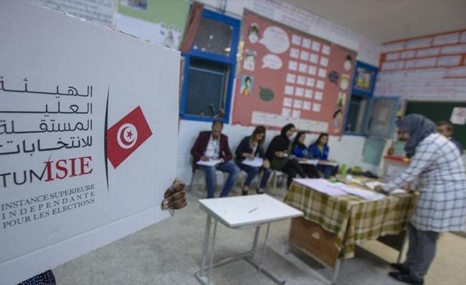 Tunus'ta parlamento seçiminin galibi Nahda Hareketi