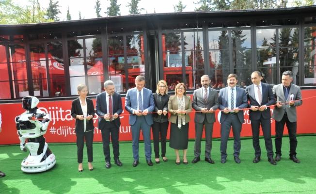 Vodafone Business Dijitalleşme Tırı Gaziantep'te