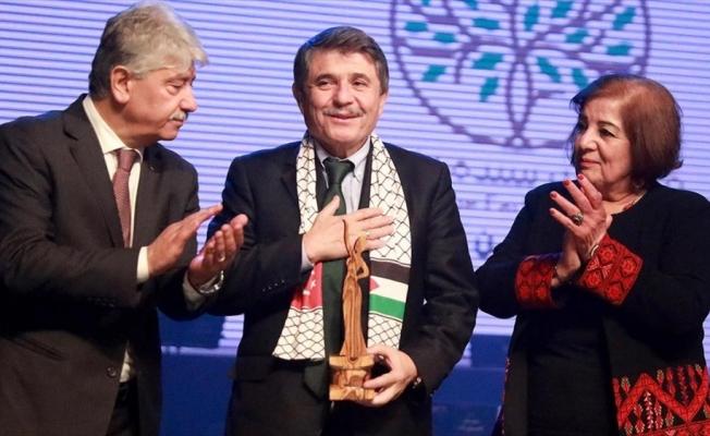 'Filistin Davasını Destekleyen Yılın Şahsiyeti' ödülü Hüseyin Tanrıverdi'ye verildi