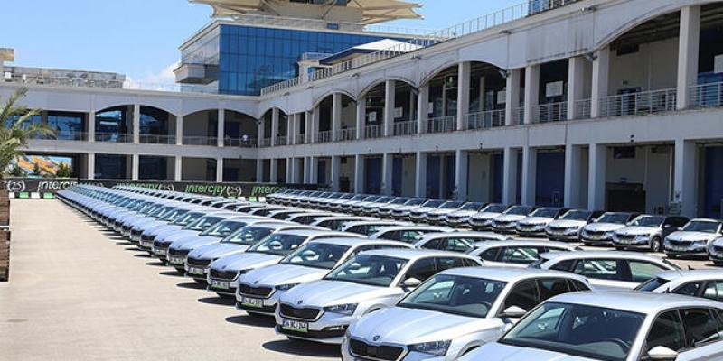 1 milyar TL'lik 2.el araç sattı