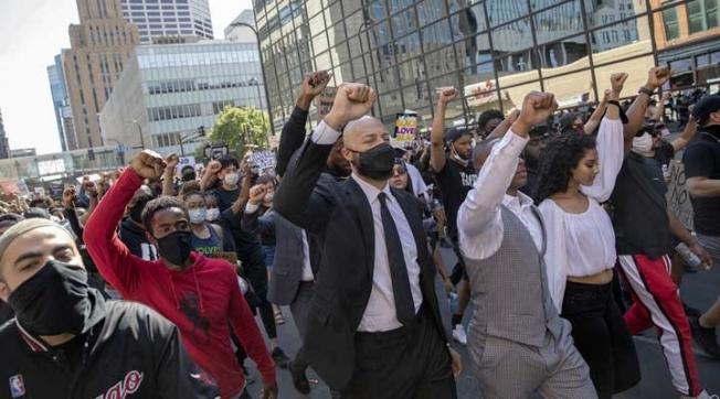 Irkçılık karşıtı gösteriler ABD geneline yayıldı