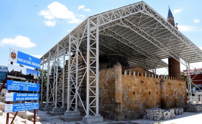 750 yıllık gök bilim medresesinin restorasyonu 3 yılda tamamlanacak