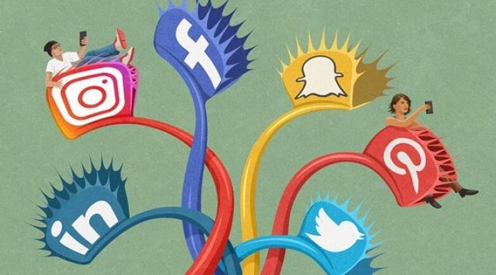 Ak Parti'den Sosyal Medya Düzenlemesi Teklifi