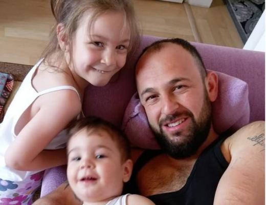 Eve giden baba 2 çocuğu ve eşini kanlar içinde buldu