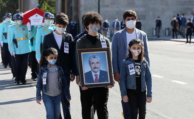 Eski Bayındırlık ve iskan Bakanı Zeki Ergezen Vefat Etti