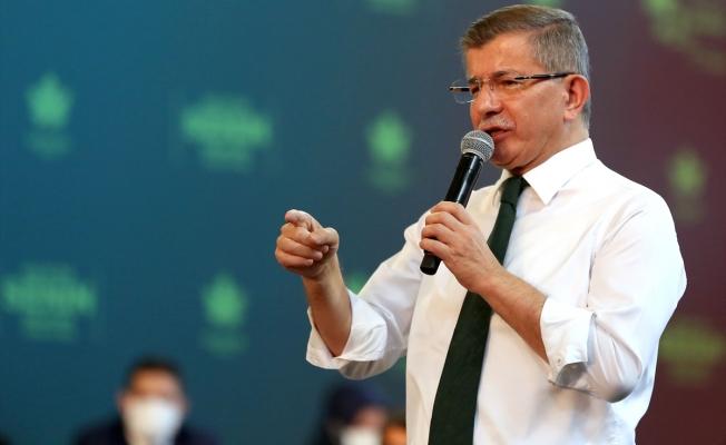 Ahmet Davutoğlu Koronavirüs'e yakalandı