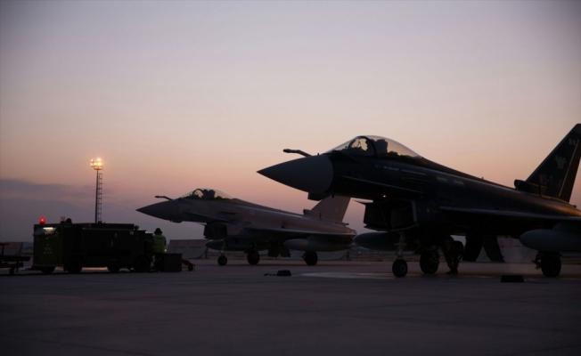 İngiltere'nin iki Eurofighter Typhoon uçağı müşterek eğitim için geldi