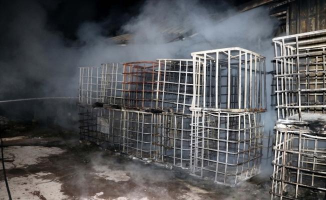 Kayseri'de sabun için yağ üreten tesiste çıkan yangın söndürüldü