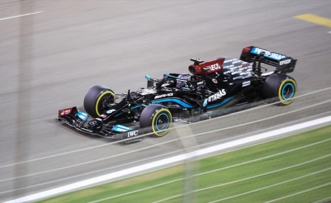 Lewis Hamilton, Formula 1 kariyerine gelecek sezon da devam etmek istiyor