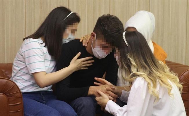 Mardin'de polisin ikna çalışması sonucu teslim olan terörist ailesiyle buluşturuldu
