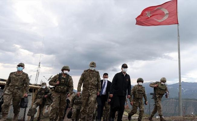 Bakan Akar: Pençe-Şimşek ve Pençe-Yıldırım operasyonlarında şu ana kadar 44 terörist etkisiz hale getirildi