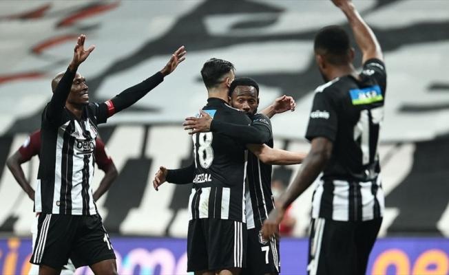 Beşiktaş'tan sahasında farklı galibiyet