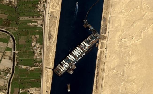 Mısır mahkemesi, Süveyş Kanalı'nı tıkayan Ever Given gemisinin alıkonulma kararının iptali talebini reddetti