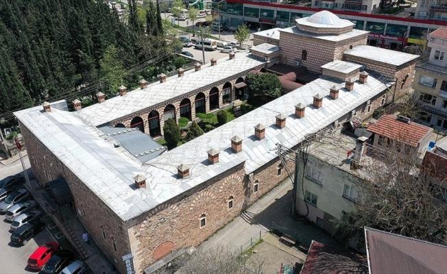 Osmanlı'nın ilk hastanesi 'Yıldırım Darüşşifası' göz hastalarına şifa dağıtıyor