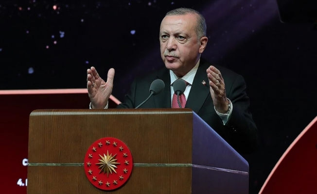 Cumhurbaşkanı Erdoğan: Fikir adamlarımız yeniden diriliş ve yükseliş için bize yol gösteriyor