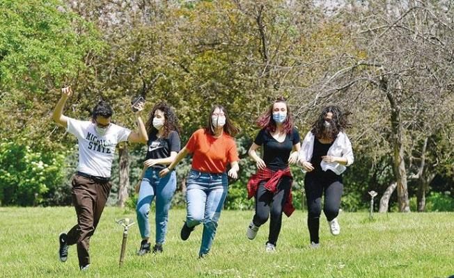 Fahrettin Koca: Cuma günü aşılamada yaş sınırı 18'e inecek
