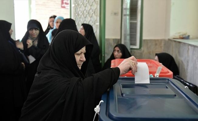 İran'da 18 Haziran'daki cumhurbaşkanlığı seçimlerinde 59 milyon kişi oy kullanabilecek