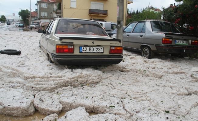 Konya'da dolu ve sağanak etkili oldu