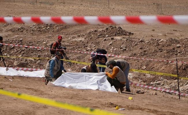 Musul'da DEAŞ'ın katlettiği 500 kişilik iki toplu mezar bulundu