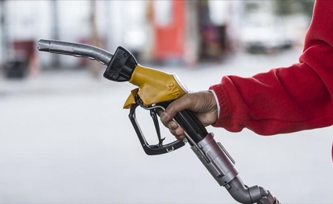 Petrol piyasasında asgari satış yükümlülüğünü yerine getirmeyen dağıtıcıların lisansı sona erdirilecek