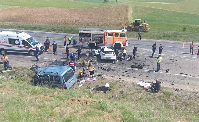 Sivas'ta feci kaza: 9 kişi hayatını kaybetti!