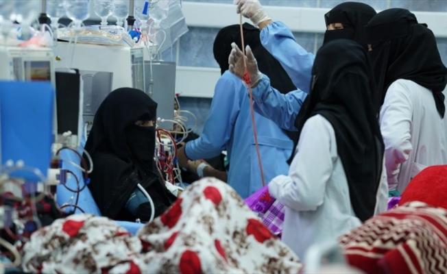 Yemen'in Husilerin ablukası altındaki Taiz kentinde diyaliz makinesi yetersizliği hastaları sıkıntıya sokuyor