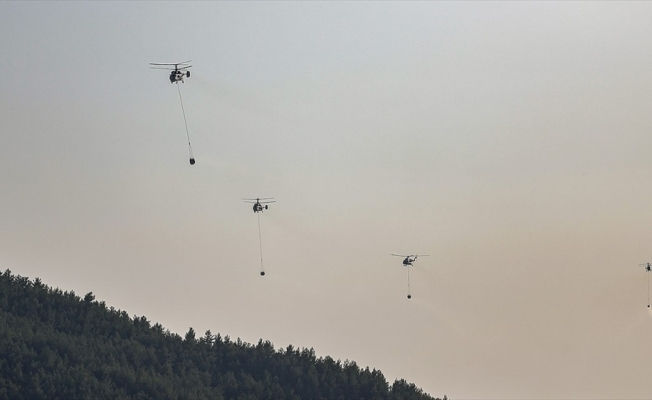 Orman yangınlarına helikopterler saatte 30 ton su taşıyabiliyor