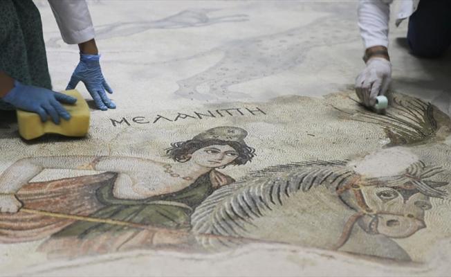 Şanlıurfa Arkeoloji Müzesi'ndeki nadide eserlere hassas koruma