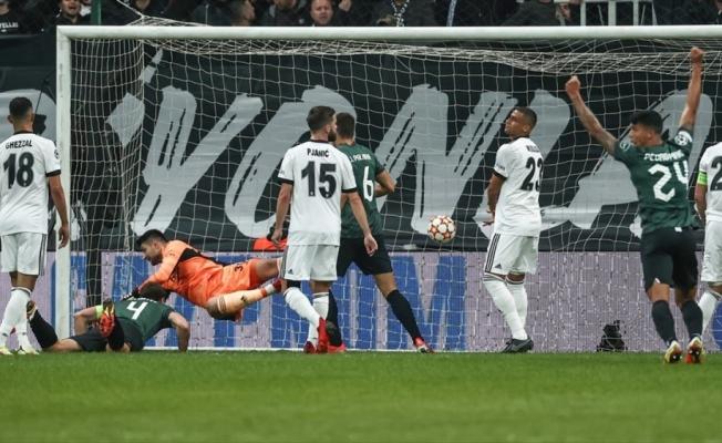 Beşiktaş, Sporting Lizbon'a yenildi