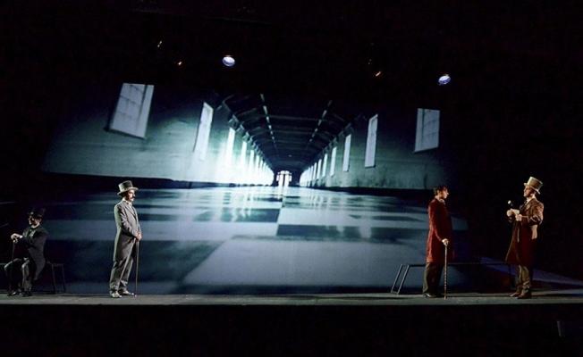 İnsanın içindeki canavar 'Bay Hyde' tiyatro sahnesine çıkıyor