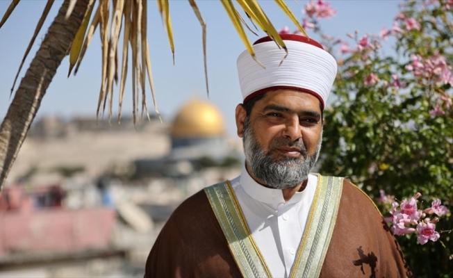Mescid-i Aksa Vakfı Müdürü Şeyh Ömer el-Kisvani'den 'din savaşı' uyarısı
