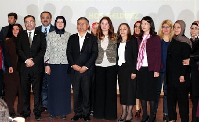 AK Parti Kadın Kolları üyelerinden örnek davranış