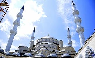 Orta Asya'nın en büyük camisi Kocatepe Cami'nin ikizi