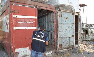 Aksaray'da konteynerden hırsızlık güvenlik kamerasında