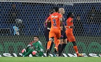 Medipol Başakşehir, Galatasaray'ı ağırlıyor